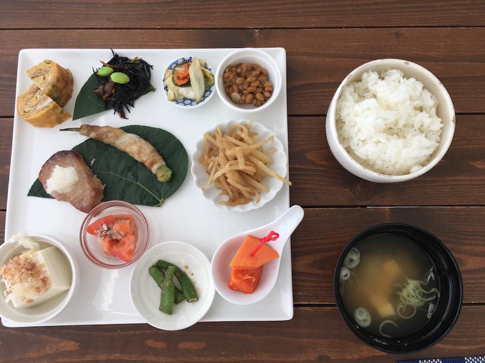小笠原のホテルパットインの朝食3