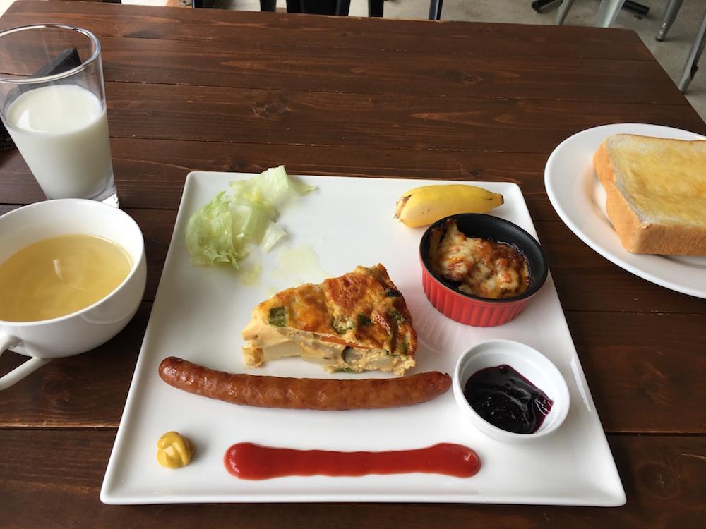 小笠原のホテルパットインの朝食2